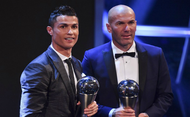 Ronaldo retains FIFA award for world's best player
