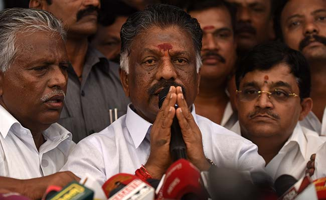Restrain Sasikala faction from using AIADMK office: Panneerselvam camp to EC
