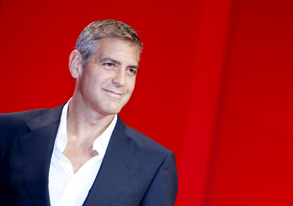 Incidente stradale in Sardegna per George Clooney