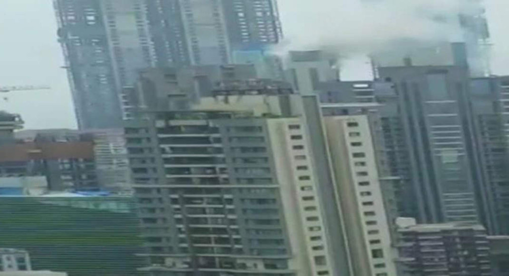 Beaumonde Towers in Mumbai's Worli catches Level III fire, 10 tenders at the spot; everyone rescued