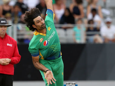Pakistan pacer Mohammad Irfan suspended for suspected spot-fixing in PSL 2017