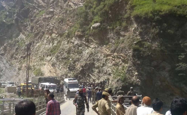 11 Amarnath pilgrims killed, over 30 injured in bus accident