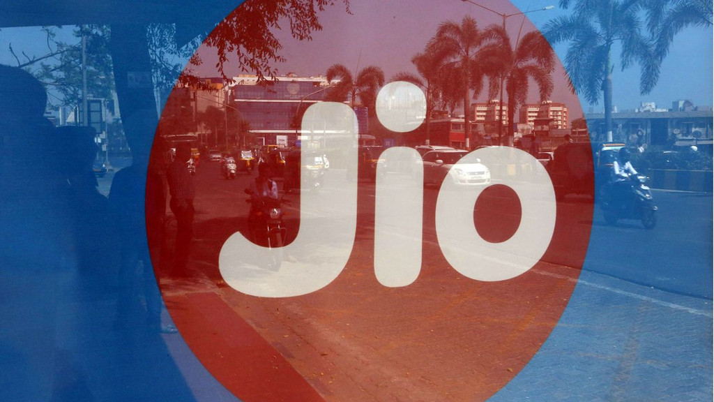 Reliance Jio posts net profit of Rs 5.1 bn in Q4; subscriber base up 16%